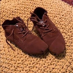 Toms leather moccasins